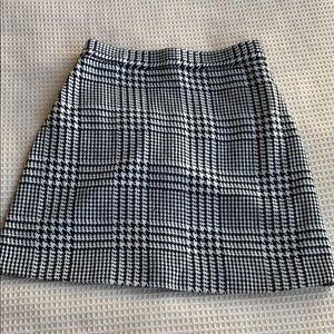 Forever 21 hounds tooth mini skirt size 23 waist
